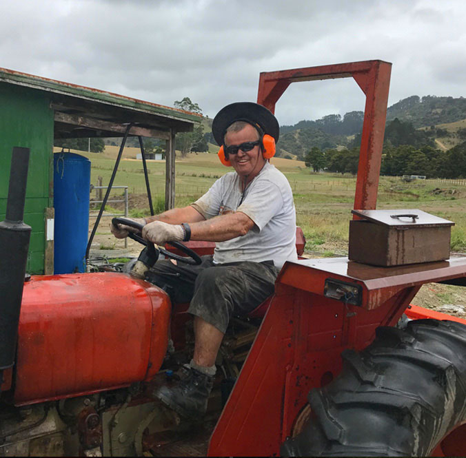 Hutch on the 1972 Zetor tractor